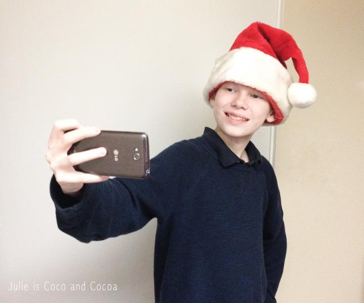 LG L90 santa selfie