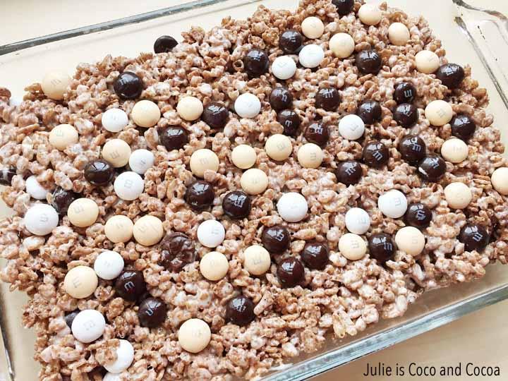 holiday baking cocoa crispy treat pan
