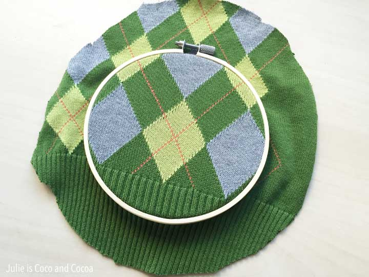 sweater embroidery hoop art upcycle
