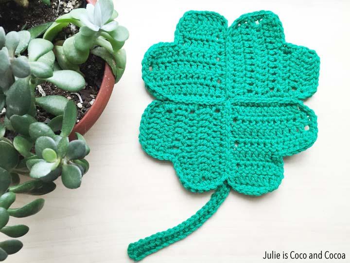 Lucky Clover Crochet Pattern Julie Measures