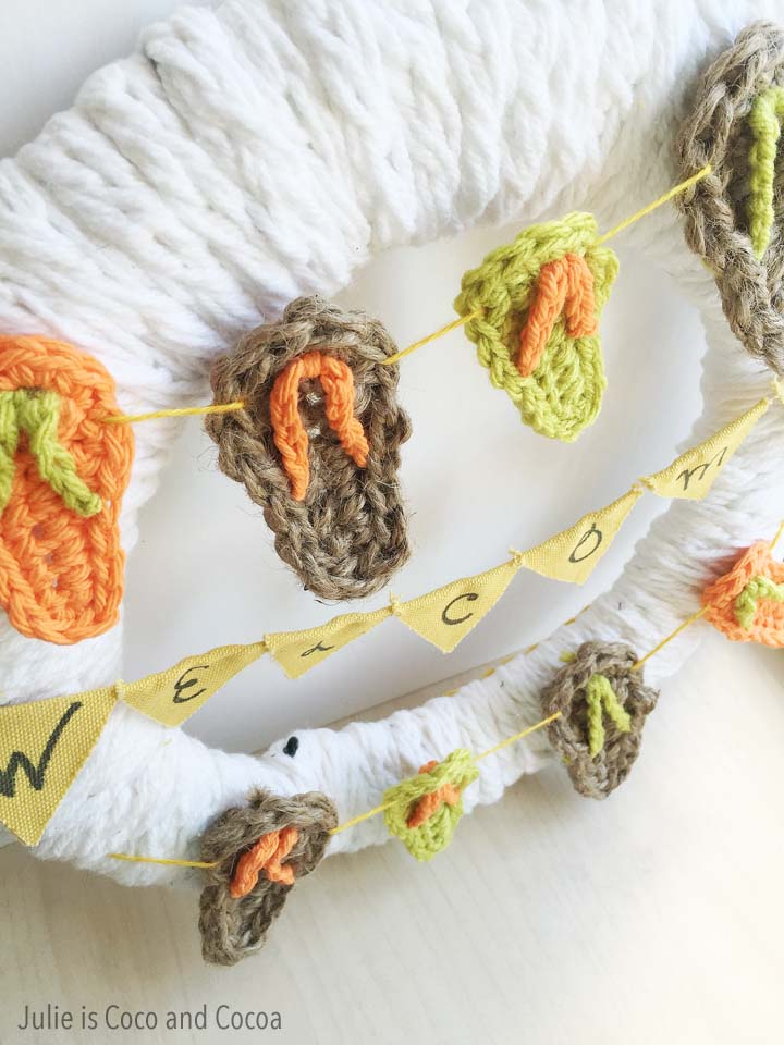 Crochet Flip Flop Welcome Wreath, pattern from Julie is Coco and Cocoa