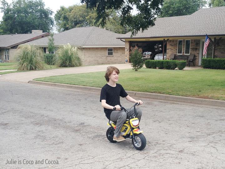 Watch Me Ride Monster Moto E-Bike