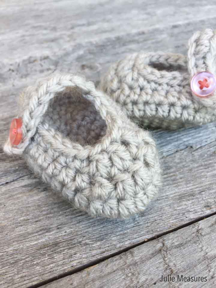 Crochet Baby Booties (Free Pattern)
