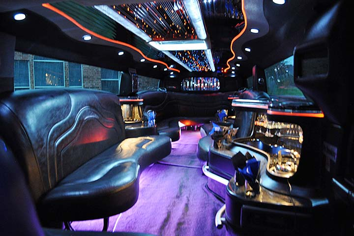Using a Party Bus for Teen Birthday Parties