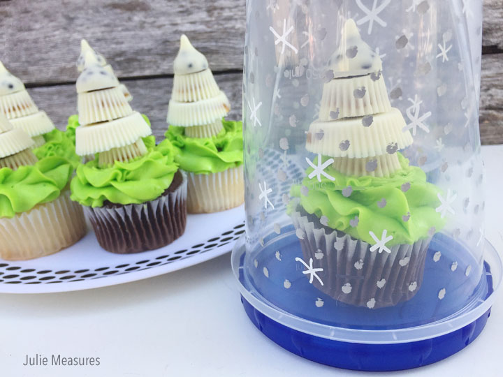 DIY Snow Globe Cupcake Holder