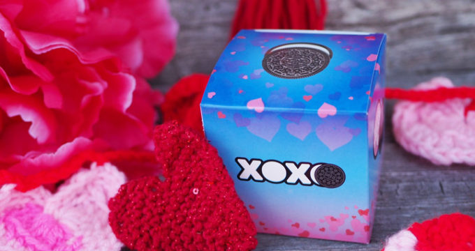 Valentine's Day Boxes and Knit Heart Pattern