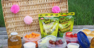 Pickle picnic basket