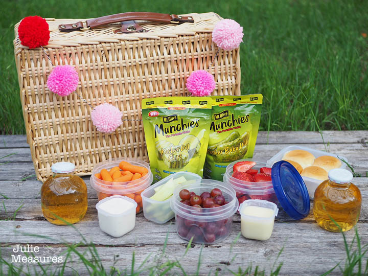Pickle picnic basket